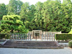 天皇陵めぐりがプチブーム!?「天智天皇 山科陵」は京都最古の天皇陵