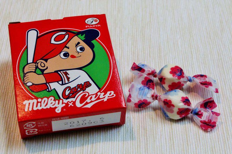 コラボ菓子も「真赤激!」カープ女子に買って帰りたい「広島カープ土産」まとめ