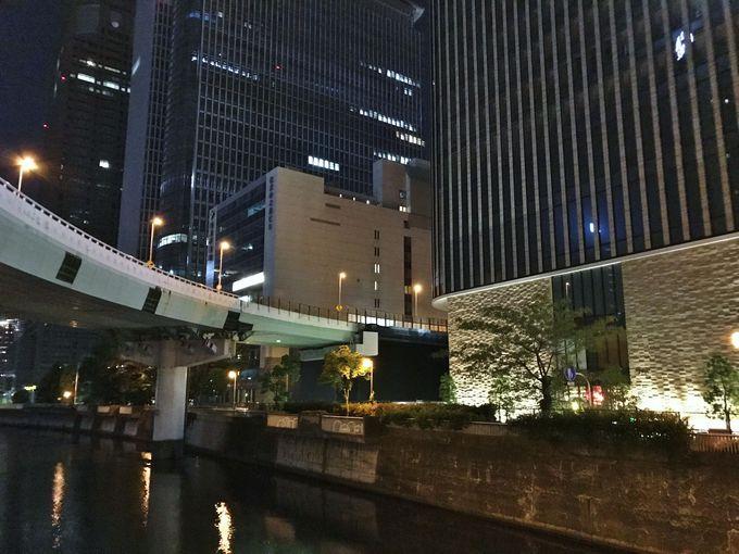 大阪のビルは高速道路が貫通しているだけじゃない!
