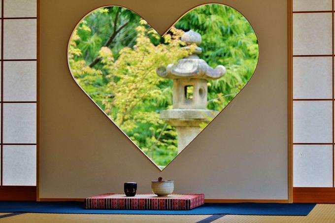 7.「正寿院」の幸せを呼ぶハートの窓へ/京都府