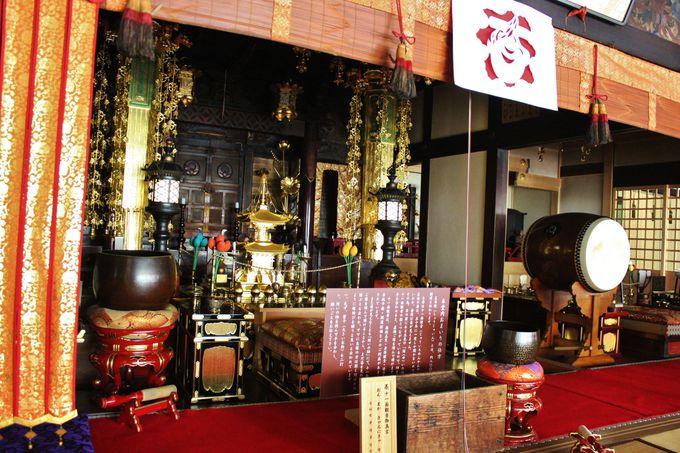 まずは「正寿院」の本堂から拝観しよう