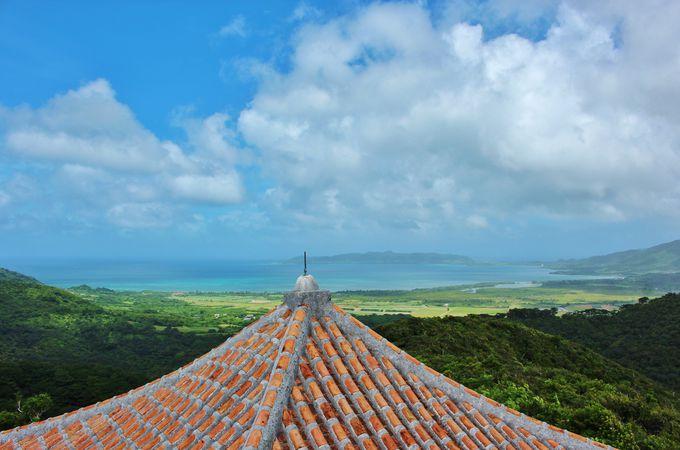 八重山の島々を見渡す展望台