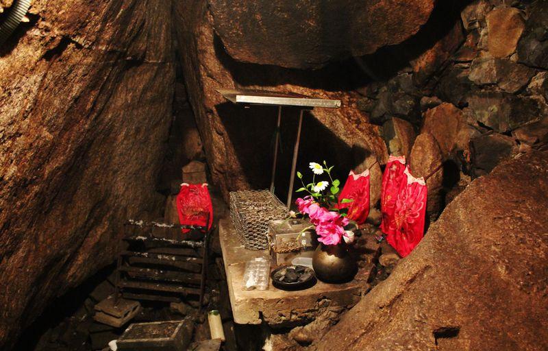 京都「穴観音」の穴に入って願いを叶えよう!