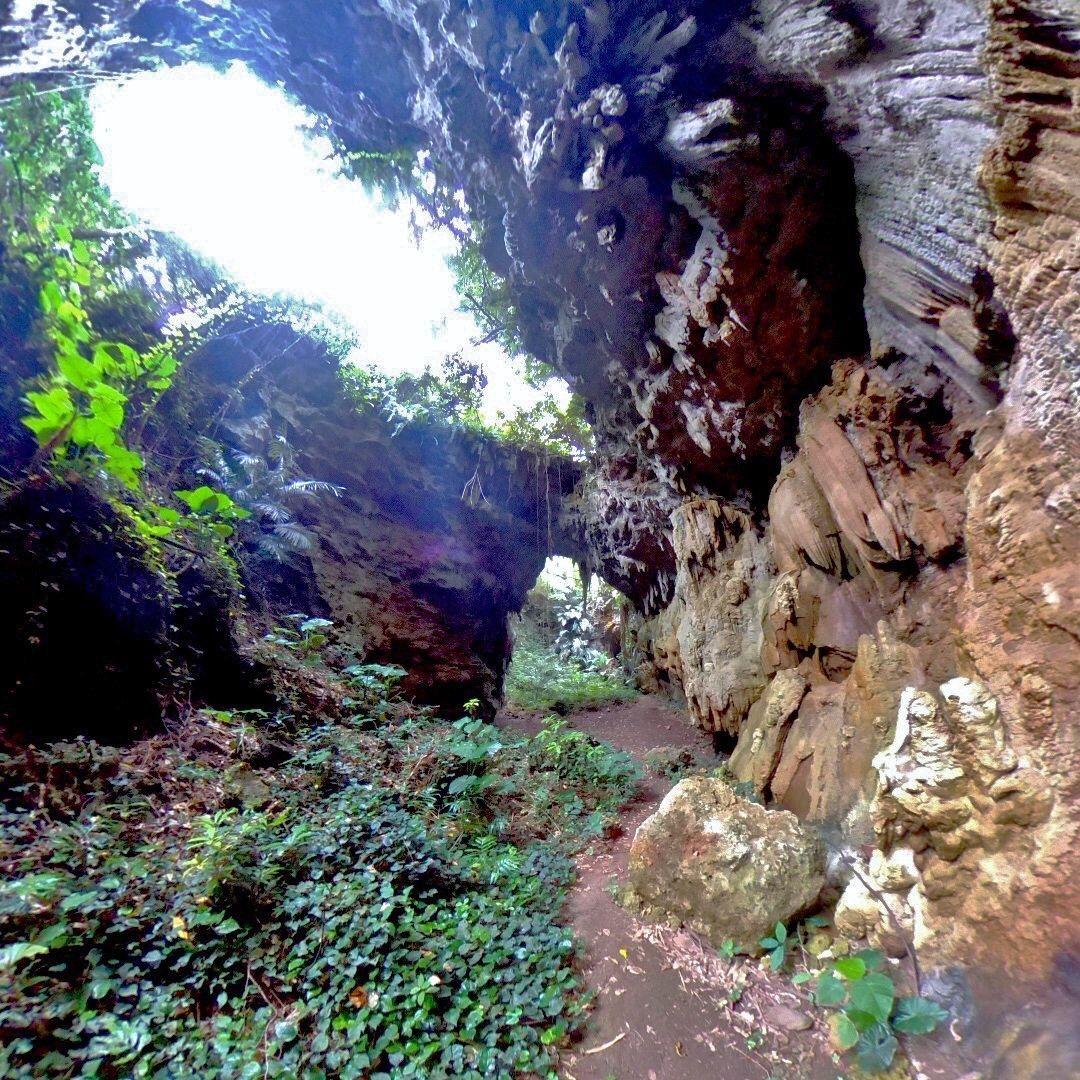 洞窟を抜けるとそこには・・・
