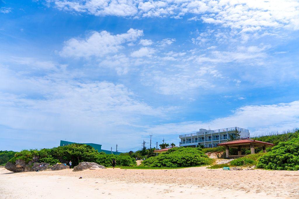 ニシ浜を眺めながら泊まるのもアリ!