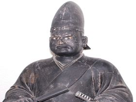くろみつくんが待つ!京都「慈眼寺」の黒塗りの光秀坐像の謎?