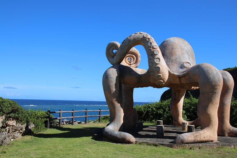 沖縄・来間島「タコ公園」の謎のオブジェと秘密のビーチ