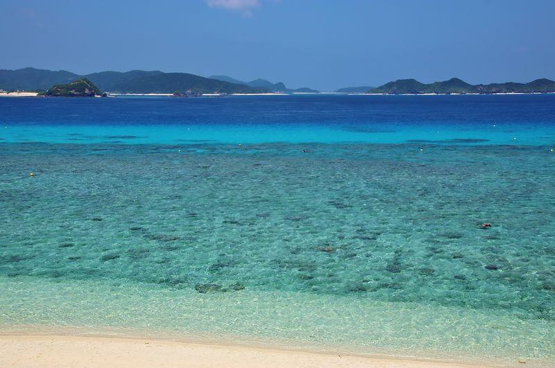 阿嘉島「北浜(ニシバマ)」でケラマブルーの海へ飛び込もう!