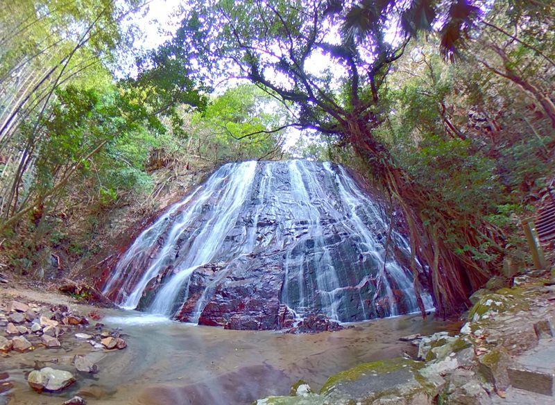 鹿児島・下甑島「瀬尾観音三滝」は緑に囲まれた癒しのスポット