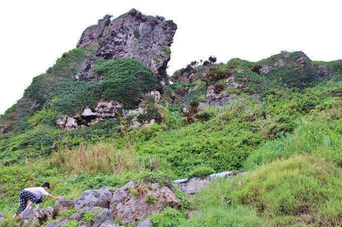 沖縄らしくない絶景が待つ慶座絶壁