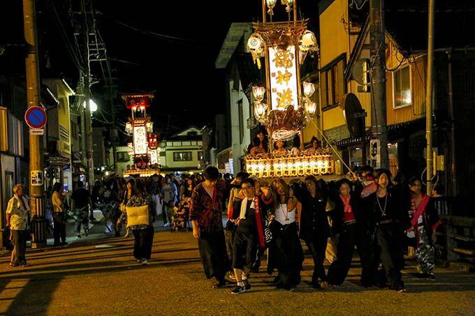 能登半島の夏はお祭り一色。キリコ祭りは能登地方でしか見ることのできない伝統的なお祭り!