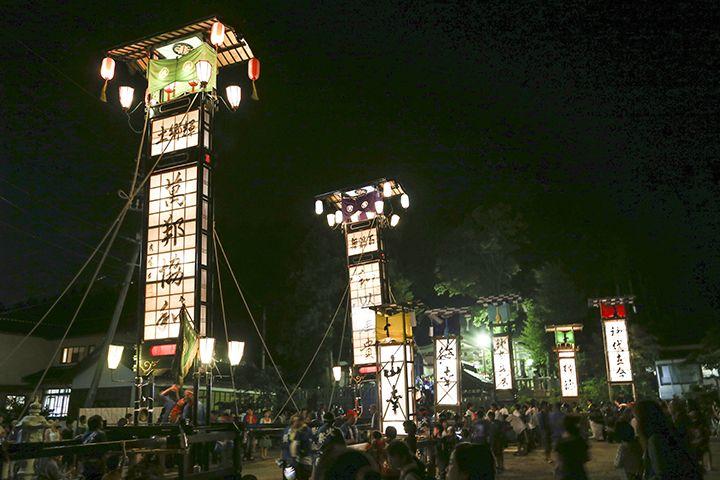 「日本三大火祭り」の一つ!男衆のキリコを担ぐ勇ましい姿にも注目!