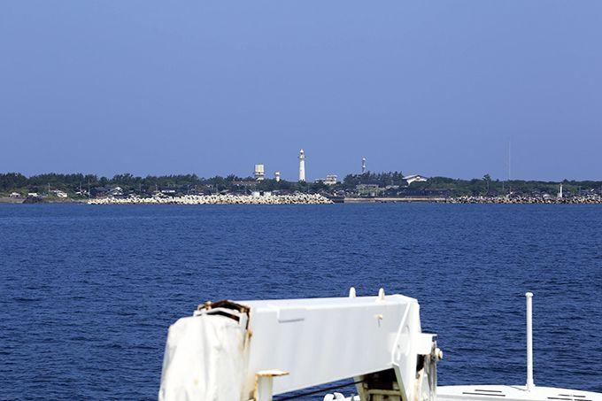 定期船「ニューへぐら」で舳倉島へ!船のデッキで味わう開放的な旅気分♪