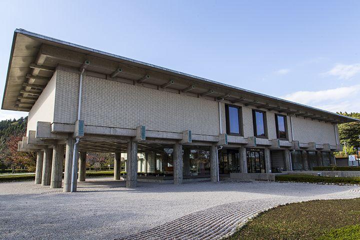 輪島塗の産地にある世界で唯一の漆芸専門の美術館!