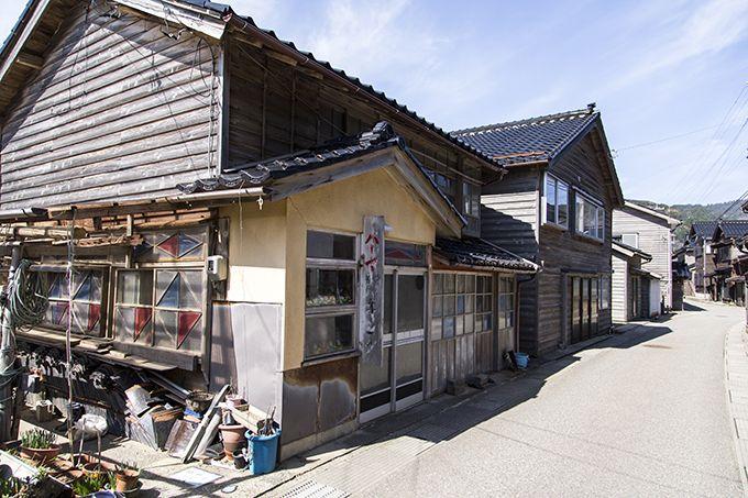 「サロンはる」は輪島市門前町皆月、「塩田」シーンは珠洲市で撮影!