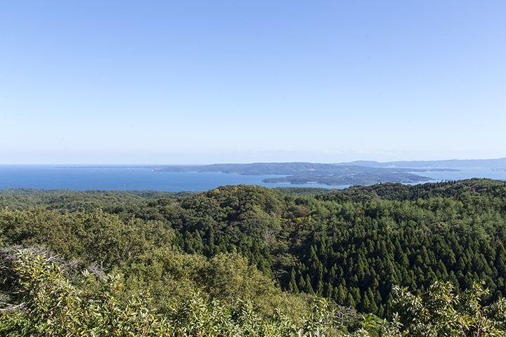 スカイデッキ展望台からの景色は絶景!天気が良ければ立山連峰も♪