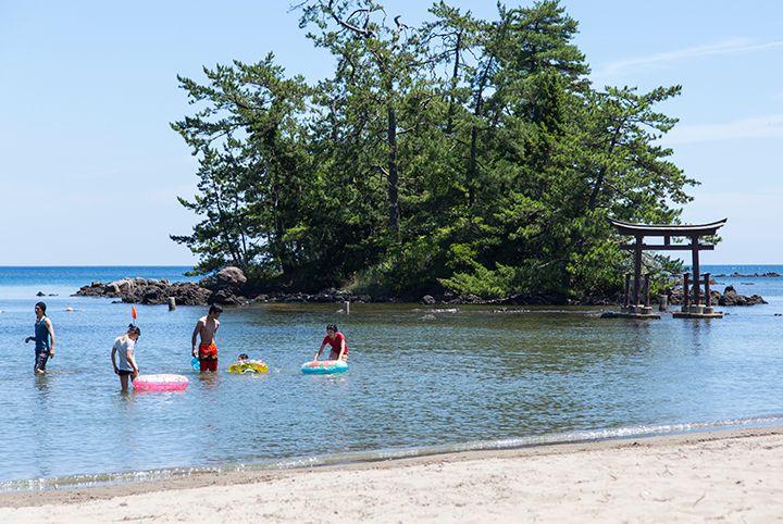 「恋路ビーチ」として海水浴場が復活♪能登海洋深層水のお風呂もオススメ!