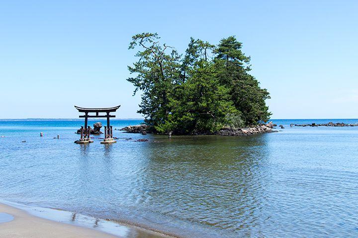波穏やかな内浦を象徴する恋路海岸!
