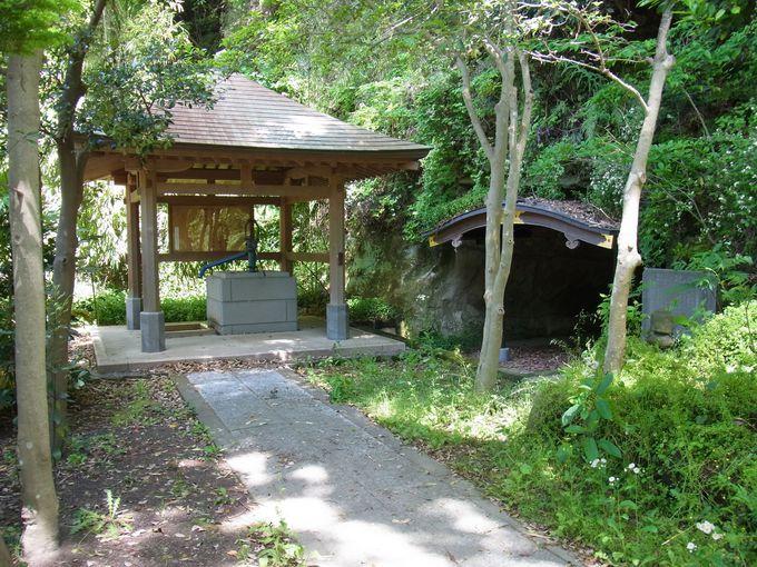 日蓮宗の源郷・安国論寺と化生窟