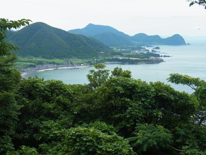 京都最北端にそびえる白亜の経ケ岬灯台