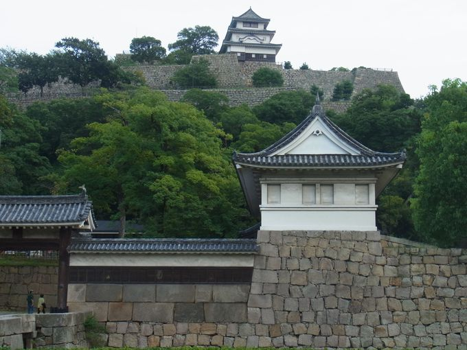 町のシンボル・丸亀城
