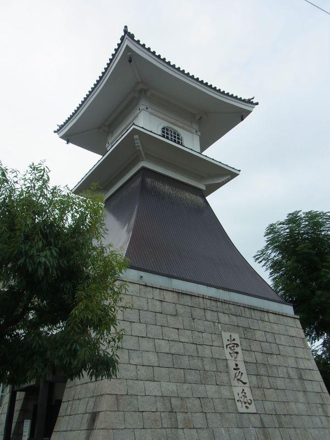 美しい景観を誇った住吉浦の生き証人・住吉高燈籠