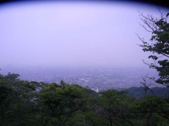 知られざる夜景の名所・信貴生駒スカイライン