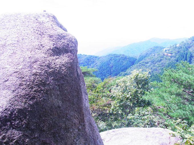 展望の素晴らしい修験の行場・天狗岩