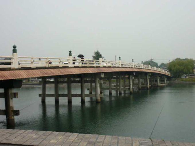 浮世絵の風景がそこに広がる「瀬田の唐橋」