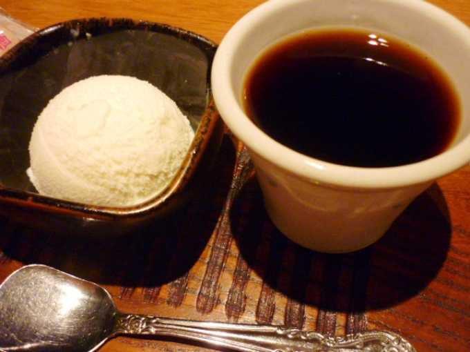 日本酒で使う天然水を使った水出し珈琲。