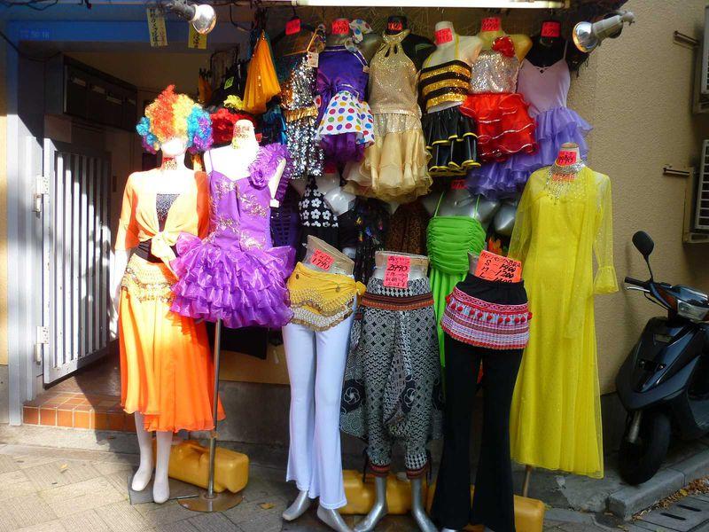 生地なら何でも!ディープなお買い物スポット「にっぽり繊維街」東京・日暮里