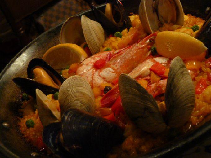 スペイン料理も楽しんで♪
