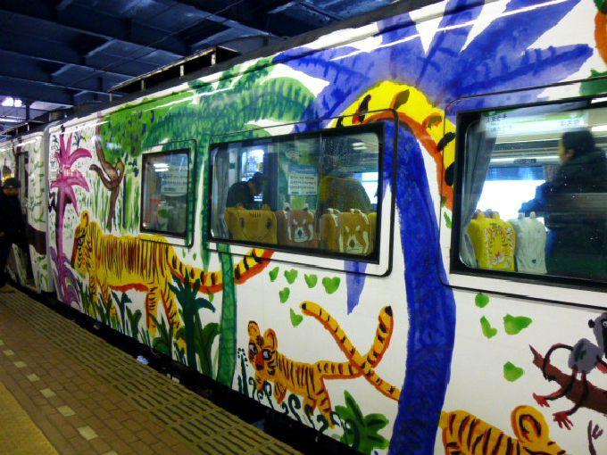 列車全体が動物の棲み家