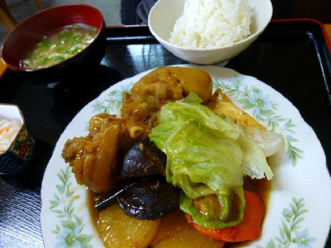 沖縄最後の食事は、まるや食堂