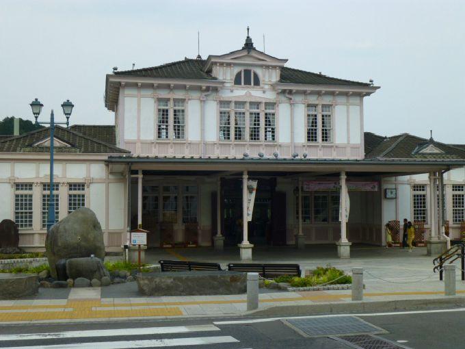 JR日光駅舎は明治・大正浪漫の洋館