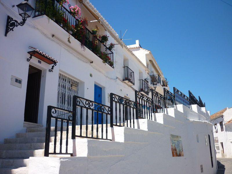 絵本から飛び出した!スペイン・アンダルシアの白い村ミハス