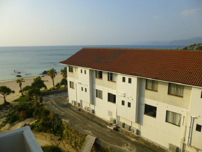 海に面したリゾートホテル「奄美リゾート ばしゃ山村」