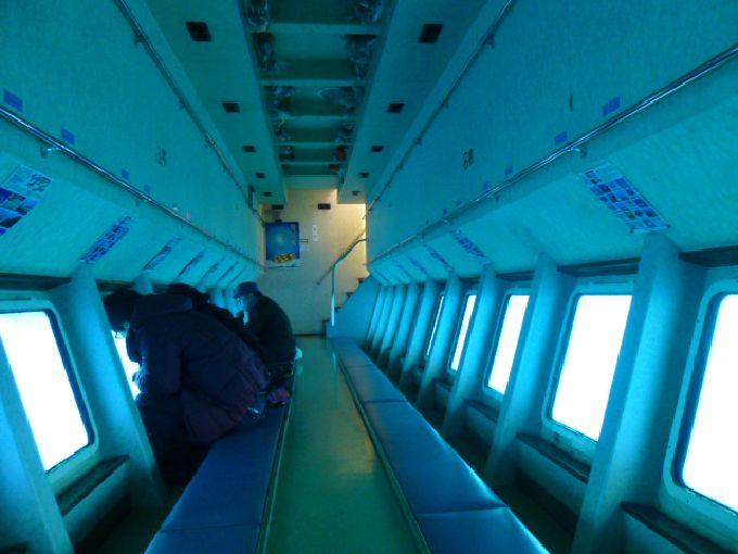 半潜水船の展望室
