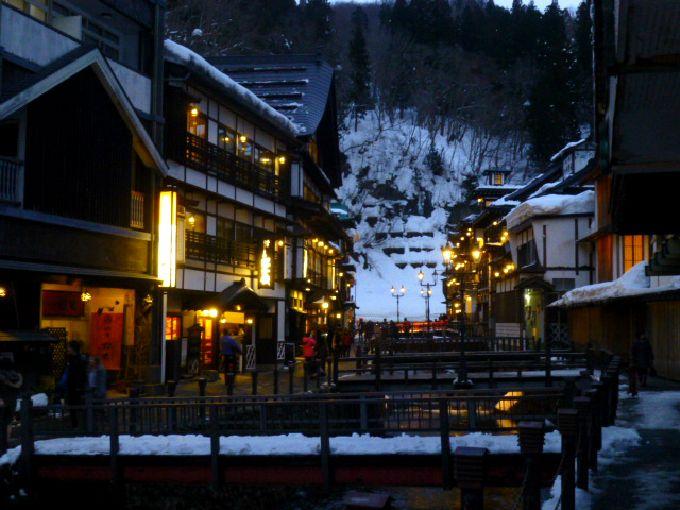 冬におすすめの温泉地10選 雪見風呂・冬限定イベントも!