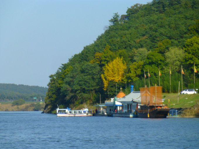 白馬江遊覧船で風情ある船下り