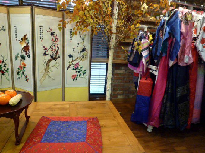 大人から子どもまで無料で韓服「明洞観光情報センター」