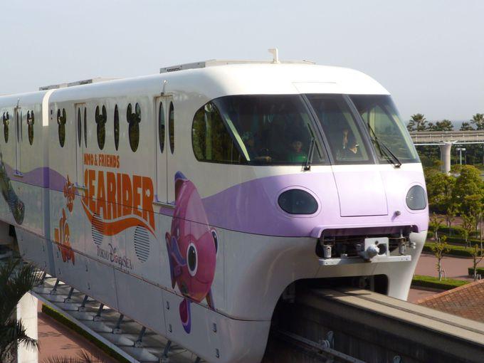 「ニモ&フレンズ・シーライダー」と連動したラッピングモノレール