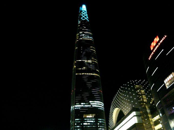 外観も美しい!ロッテワールドタワー