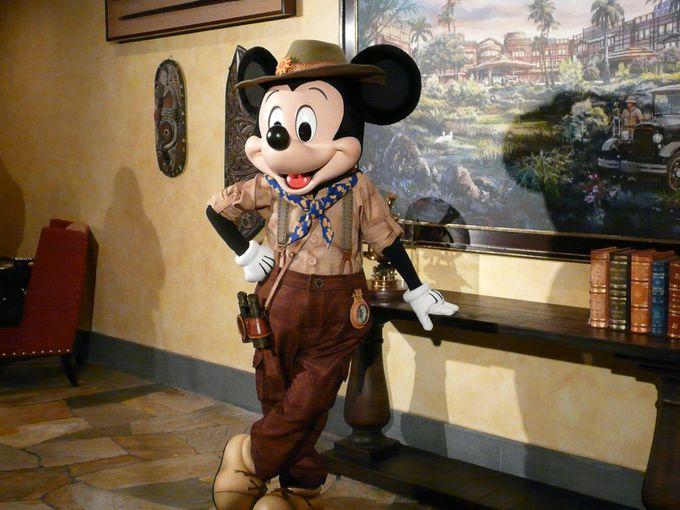 ロビーでキャラクターグリーティング「ディズニー・エクスプローラーズ・ロッジ」