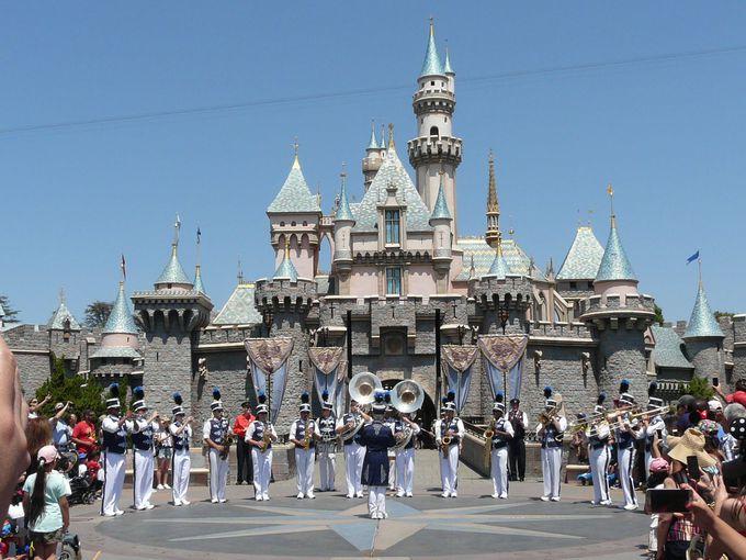 カリフォルニア ディズニーランド・パークのシンボル「眠れる森の美女の城」