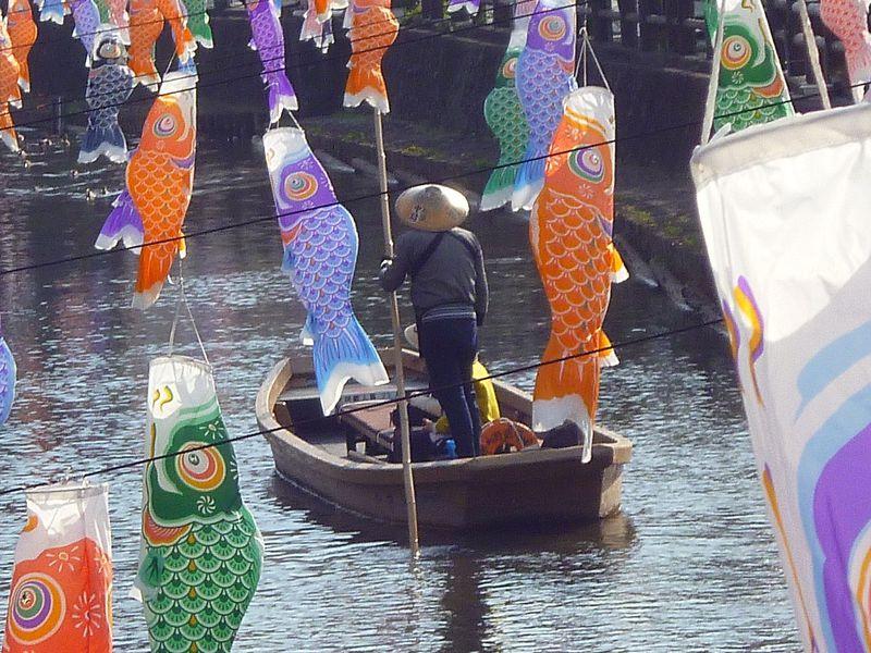 小江戸栃木「蔵の街遊覧船」は700円で乗り放題!鯉=恋でパワスポ人気上昇中
