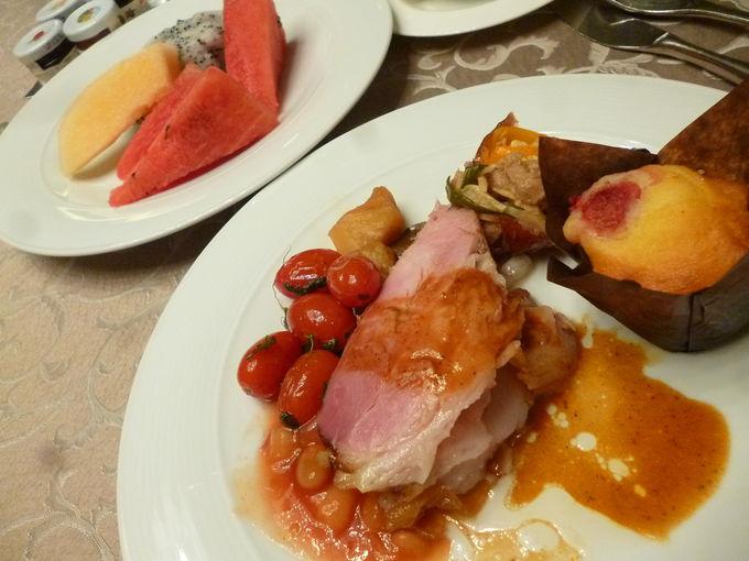 評判の豪華な朝食ビュッフェ「ネクスト2カフェ」