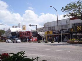 世界と沖縄が融合している超個性的な街「コザ」を歩く