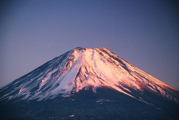 紅く染まる富士山!本栖湖からの夕焼け!