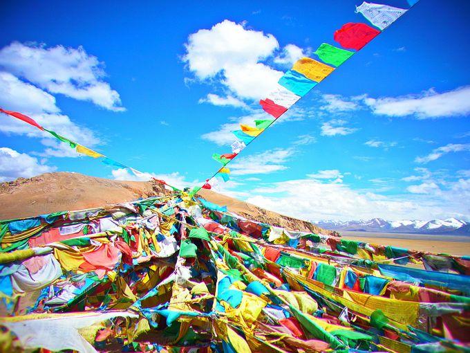 タルチョはためくチベットの風景!